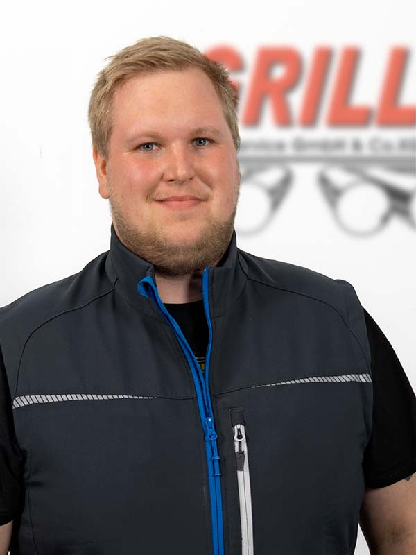 Autohaus Grill KFZ-Mechaniker Florian Schwitzer